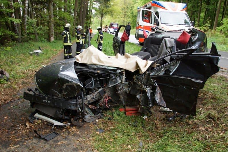 Nach Unfall im Fahrzeug eingeklemmt – Dank an Einsatzkräfte nach Rettung